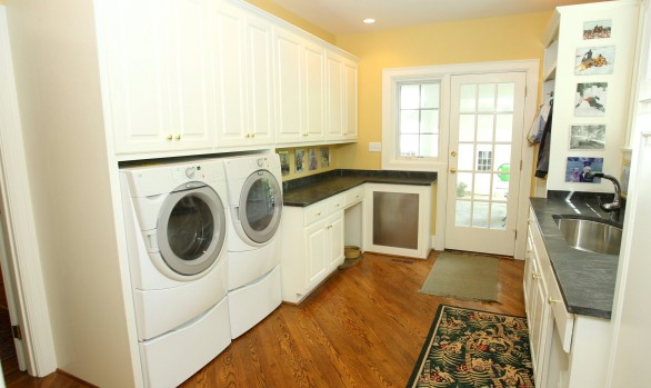 Laundry Room IV